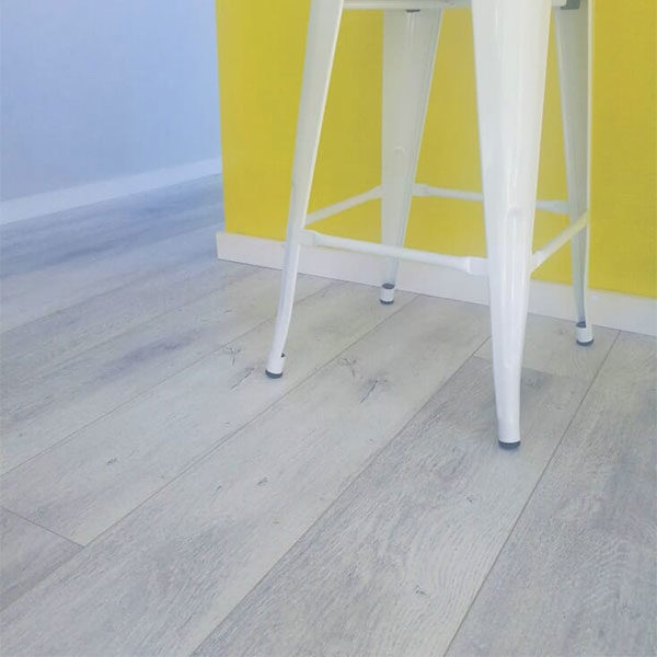 Eco Flooring Systems Swish Aquastop Laminate Oak Vermont