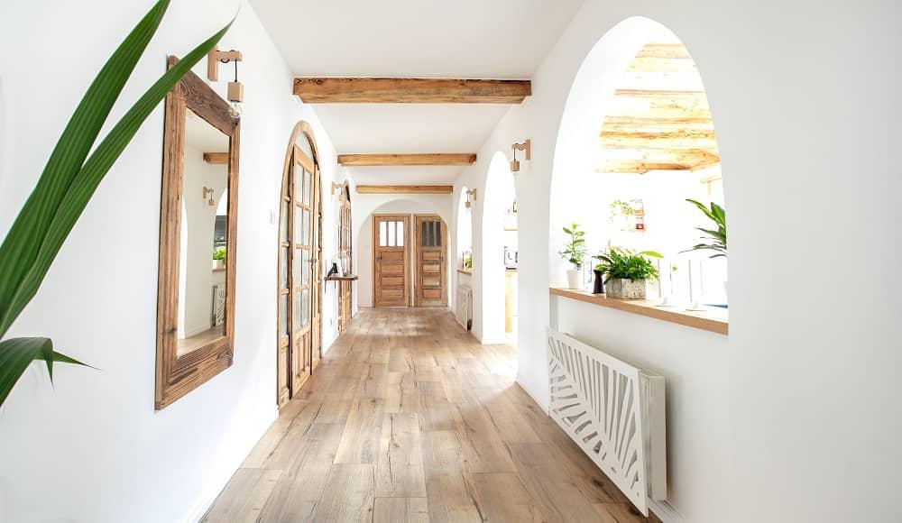 Hybrid flooring in hallway
